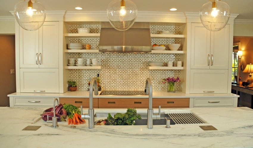 Kitchen Design By Susan Klimala, CKD, The Kitchen Studio Of Glen Ellyn.  Photography By Carlos Vergara. Kitchen Countertop ...
